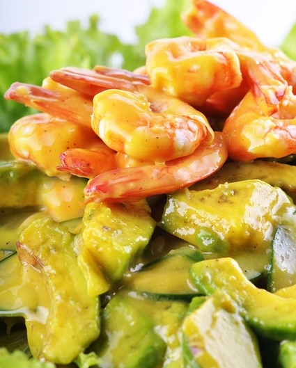 insalata di gamberi, frutta e verdure