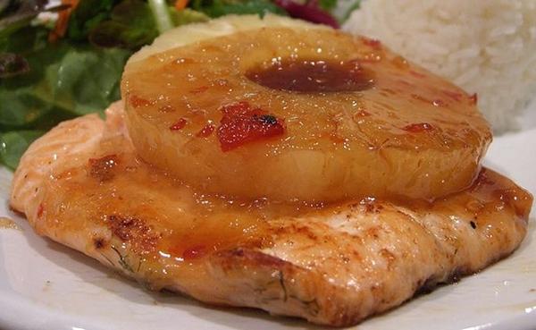 salmone e ananas