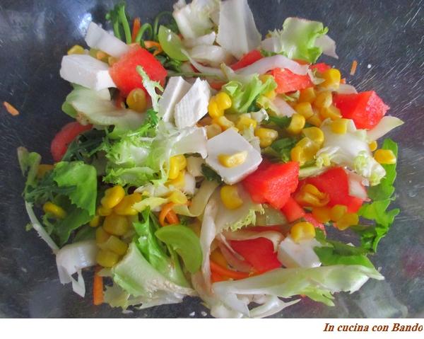 Insalata estiva (i colori dell'estate nel piatto)
